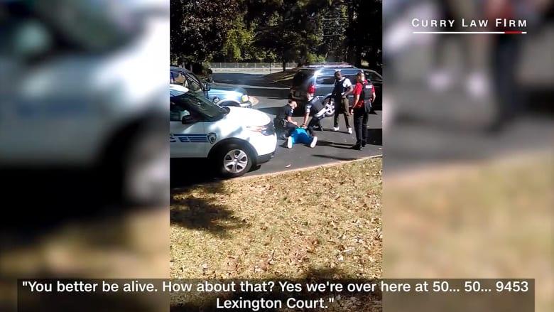لحظة مقتل مواطن أمريكي أسود على يد الشرطة في شارلوت