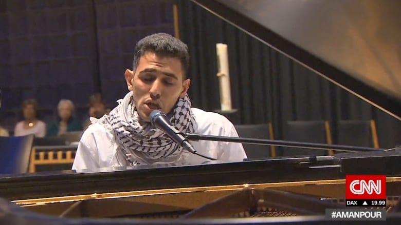 من عازف بيانو بين الأنقاض في اليرموك إلى أضواء الشهرة في ألمانيا