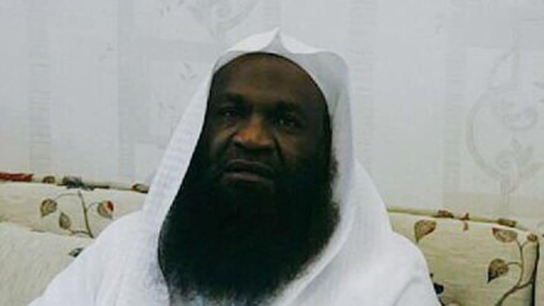 من هو اللاعب الذي سخر منه إمام الحرم المكي السابق؟