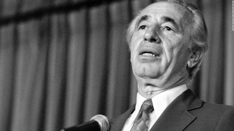 بعد وفاته عن عمر يناهز 93 عاماً.. تعرف إلى أبرز محطات حياة شمعون بيريز السياسية