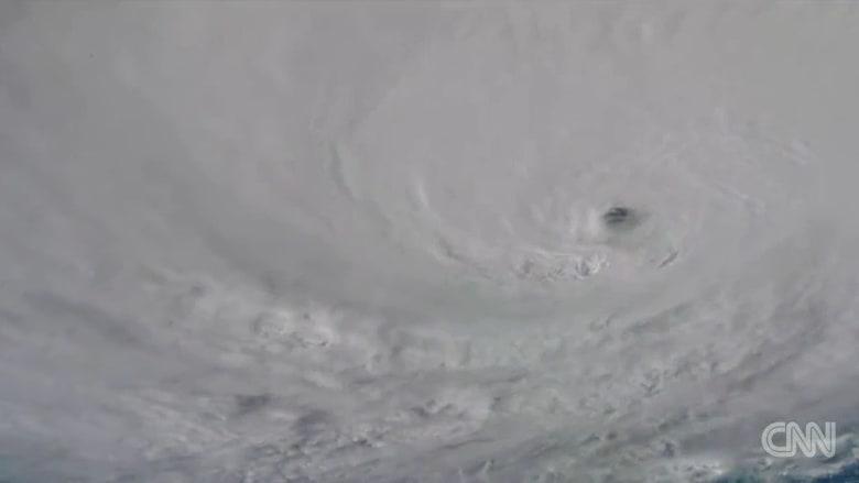شاهد إعصار ماثيو من الفضاء