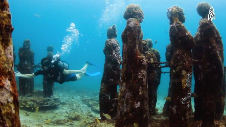 """تحت موج البحر يطفو متحف """"النعيم"""" هذا.."""