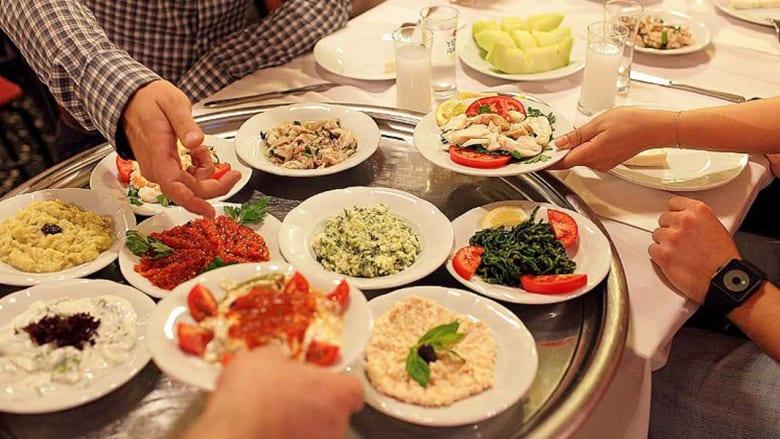 هل تعرف ما هو المشروب الوطني الناصع البياض في تركيا؟