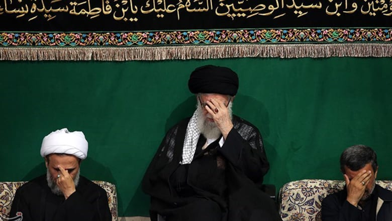 بالصور: بكاء خامنئي مع نجاد وسليماني بعاشوراء وتذكير بعداء الخميني للسعودية
