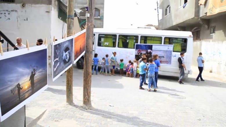 """""""حبل للغسيل"""" ينشر صور قضايا فلسطينية في غزة"""