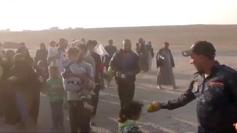 المدنيون يواصلون الهرب من مناطق القتال في الموصل