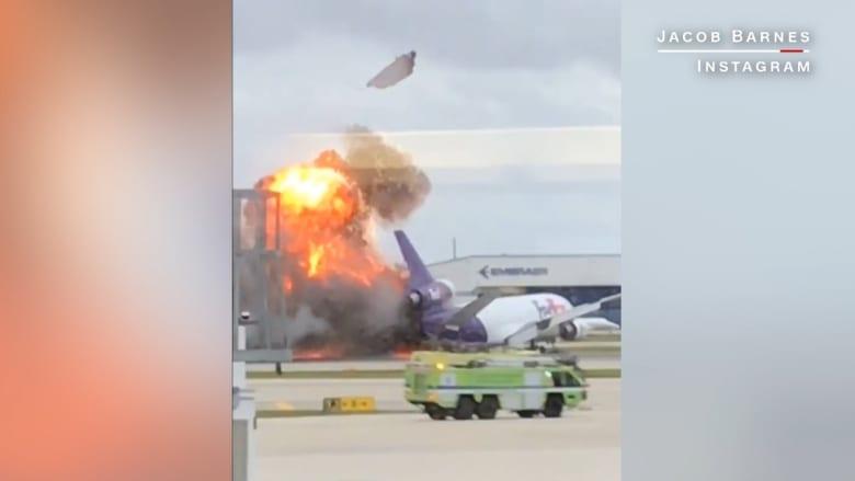 شاهد.. لحظة اندلاع النيران في طائرة شحن فور هبوطها