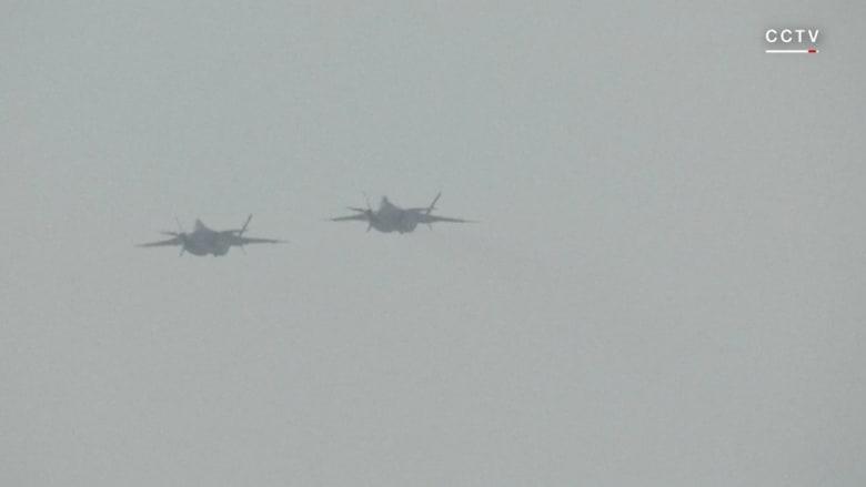 """شاهد.. الصين تستعرض أحدث مقاتلاتها.. """"الشبح J-20"""""""