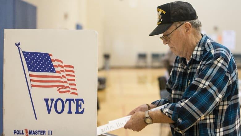 إليك الأسباب التي تجعل عملية الانتخاب في الولايات المتحدة أمراً صعباً