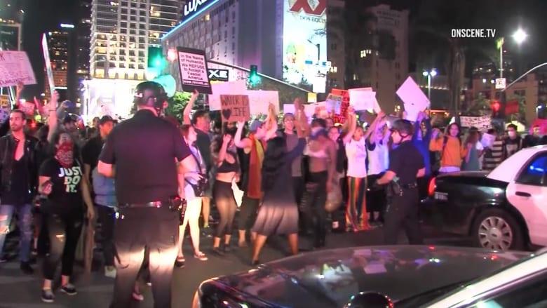 اعتقال متظاهرين ضد ترامب في لوس أنجلوس.. والهتاف: سلمية