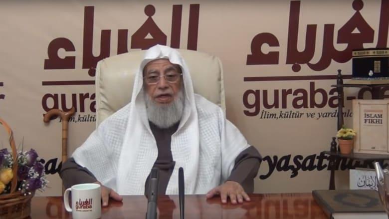 العريفي والعمر ينعيان محمد سرور.. والعودة: تغيّر بسنواته الأخيرة