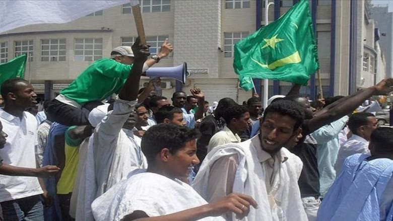 """رغم تقديمه لتوبته.. مطالب في موريتانيا بإعدام كاتب بتهمة """"الإساءة للرسول"""""""