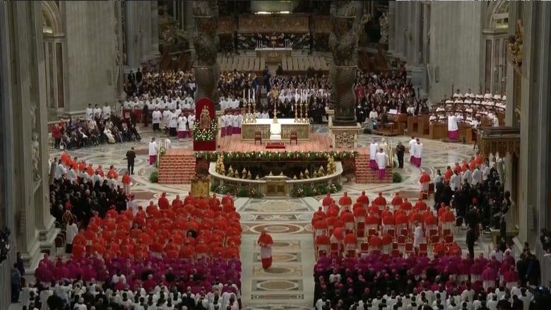 بابا الفاتيكان يعين 17 كاردينالا جديدا