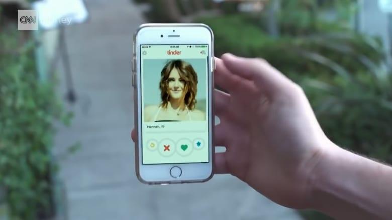 """تطبيق """"تندر"""" للمواعدة يضيف 37 خياراً للهوية الجنسية"""