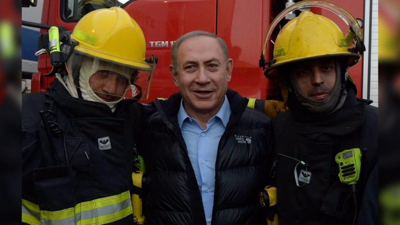 """نتنياهو يشكر أبومازن على المساعدة في إخماد الحرائق.. وإسرائيل """"تغمرها السعادة"""" بالمساعدات الدولية"""