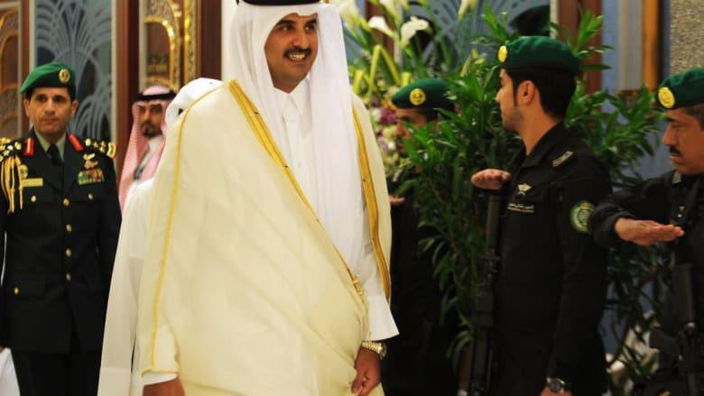 """أمير قطر يبدأ زيارة """"أخوية"""" للجزائر بدعوة من بوتفليقة"""