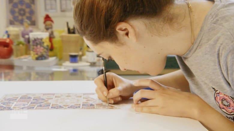 السعودية دانة عورتاني: الرسم بهندسة روحية تستلهم تراث الأديان