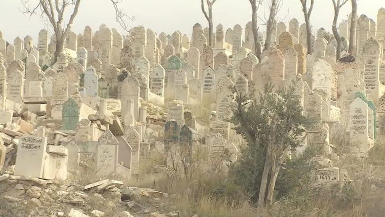مقابر تتوسع وسط الأنقاض.. حلب على حافة السقوط