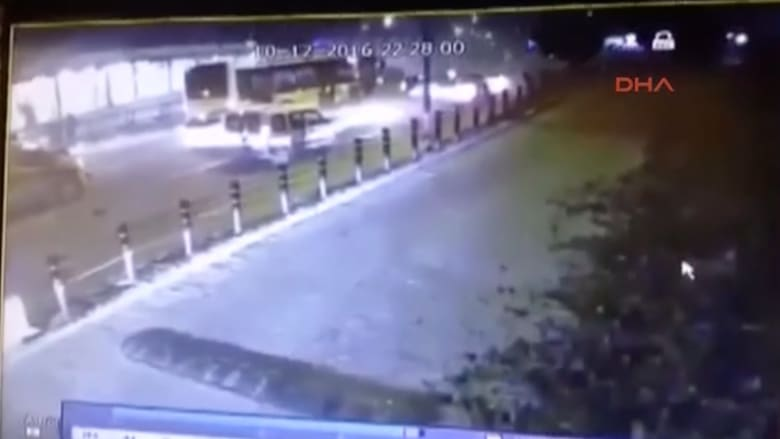 شاهد.. لحظة وقع انفجار قرب استاد بشكتاش في إسطنبول