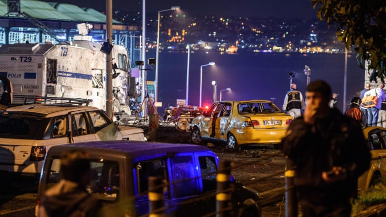 بشكتاش التركي يدين الهجوم الذي استهدف محيط ملعبه
