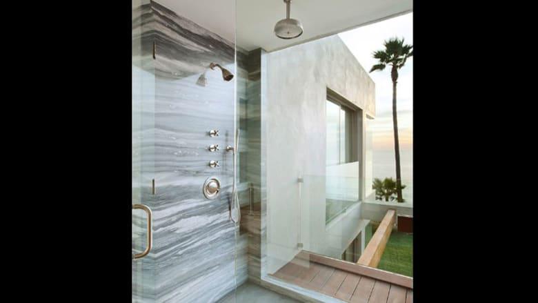 هل هذه أفخم غرف الحمام في العالم؟