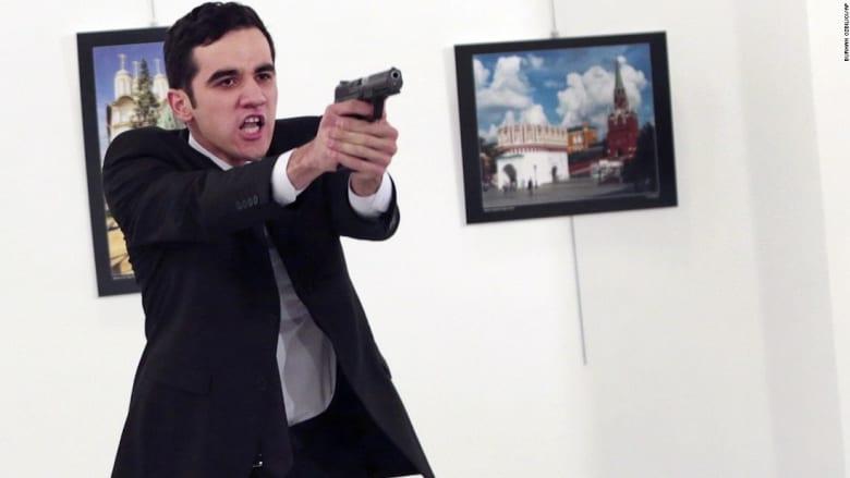 مصور اغتيال السفير الروسي بتركيا يروي لـCNN لحظات الرعب