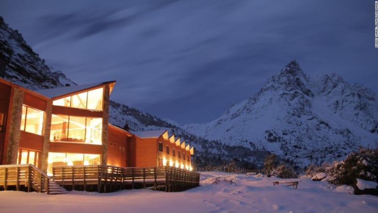 """أكواخ خشبية تحمل سحر و""""دفء"""" أبرد ليالي الشتاء"""