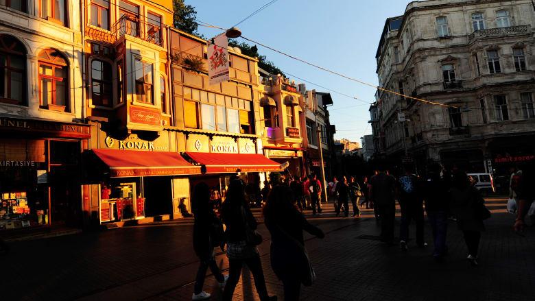 شارع استقلال وساحة تقسيم
