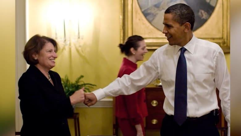 """شاهد.. أفضل """"مصافحات القبضة"""" لأوباما"""