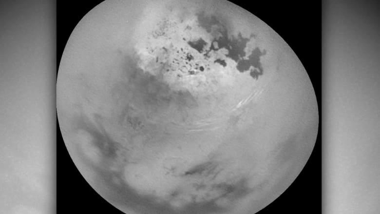 هذا مارصدته ناسا في سماء أكبر أقمار زحل