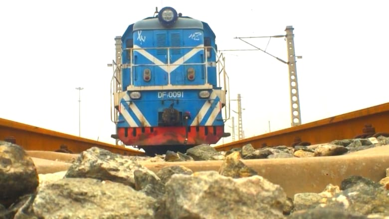 قطار من الصين إلى أوروبا.. متاعب جديدة تنتظر قناة السويس