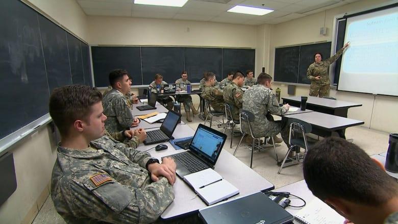 """""""جنود إلكترونيون"""" في الجيش الأمريكي.. استعدادا للمستقبل"""
