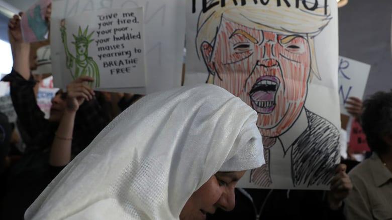 رجال الأعمال العرب.. صمت على قرارات ترامب وحسابات أخرى كبيرة
