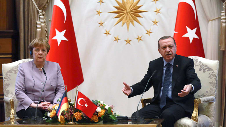 أردوغان لميركل: نرجو عدم استخدام تعبير الإرهاب الإسلامي