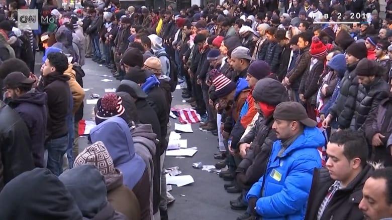 """1000 مالك متجر يمني يتظاهرون بنيويورك على """"حظر ترامب"""""""