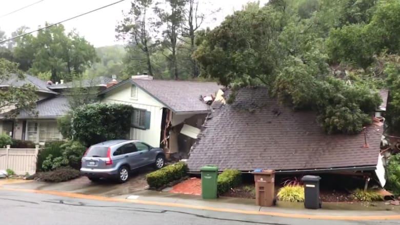 بالفيديو: عائلة تشاهد انهياراً أرضياً يُدمِّر منزلها