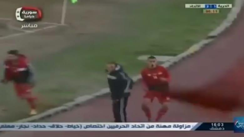 """غضب مقابل فرحة: كرة القدم تعود على """"أنقاض حلب"""""""