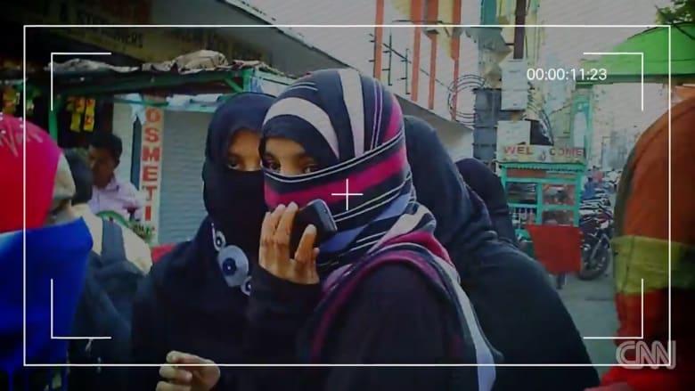 نساء في مهمة سرية للقبض على بائعي القاصرات.. والزبائن أغلبهم عرب