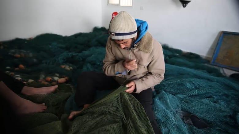 كاميرا CNN ترصد حياة الصيادين بغزة والتحديات التي يواجهونها