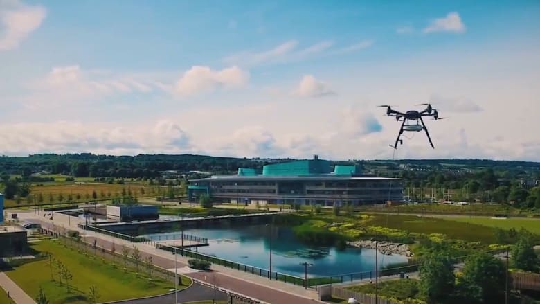 """روبوتات لإنقاذ الغرقى وكشف التسرب النفطي.. مشاريع """"ذكية"""" في الإمارات"""