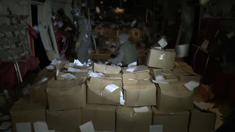 كاميرا CNN على متن طائرة عراقية تنقل رسائل أهالي الموصل