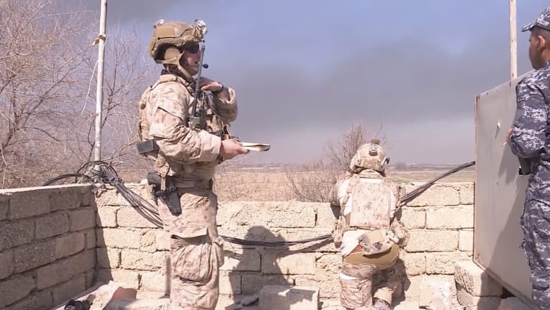 شاهد.. جنود أمريكيون على الخطوط الأمامية في معركة الموصل