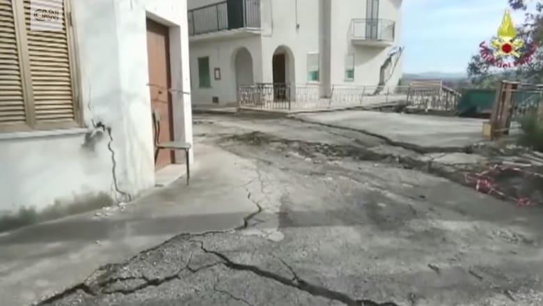 شاهد.. انهيار أرضي يمزق بلدة إيطالية.. ومواقع المنازل تتغير بأكثر من 10 أمتار