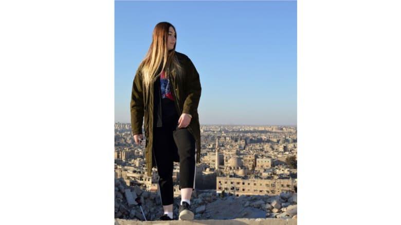 """""""أقوى فتاة في العالم"""" تتحدث لـ CNN عن رحلتها في سوريا"""