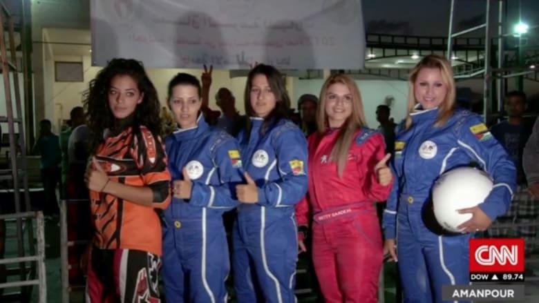 """بالفيديو: أول فريق نسائي عربي لسباق السيارات في فلسطين """"يكسر الحدود"""""""