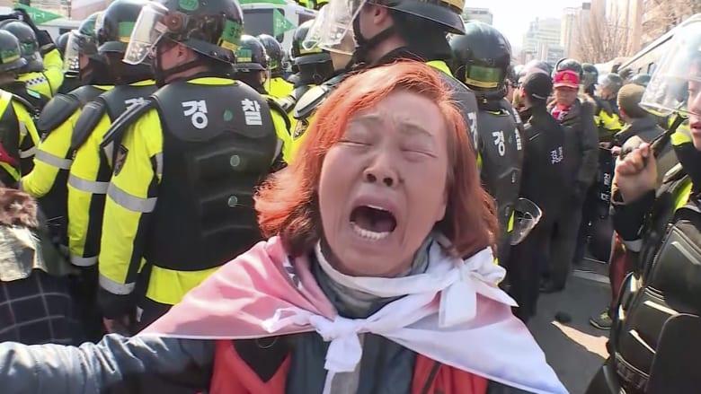 قتيلان خلال مظاهرات اندلعت بعد عزل رئيسة كوريا الجنوبية