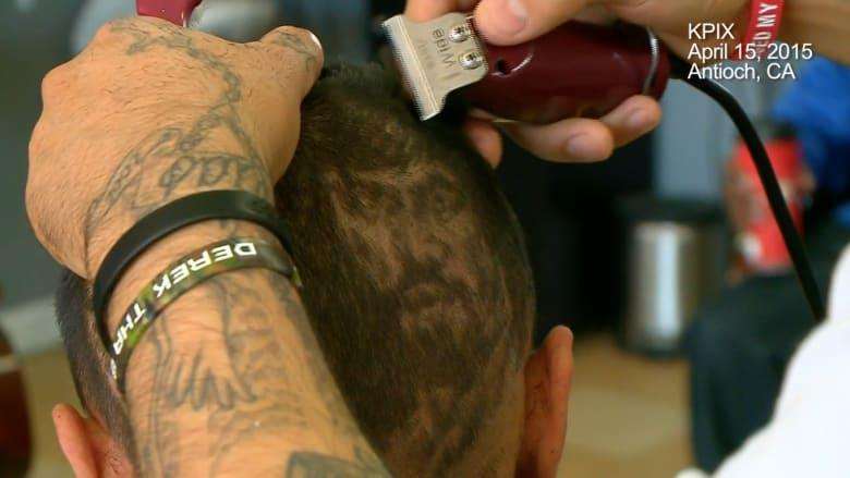 قصة شعر غير اعتيادية.. صالون حلاقة يصنع لوحات فنية من قص الشعر