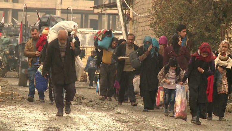"""شاهد ما تبقى من """"خلافة"""" البغدادي.. دمار وموت"""