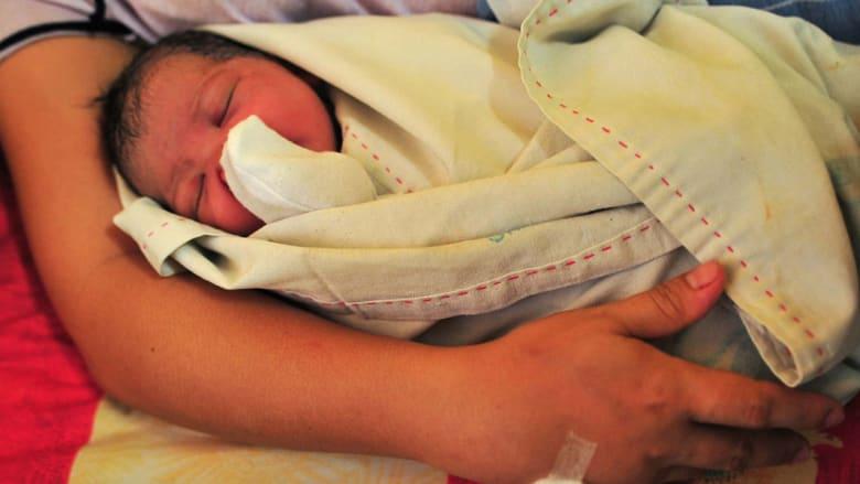 كيف ظهر عيد الأم وكيف وصل إلى العالم العربي؟ إليك عدداً من الحقائق السريعة
