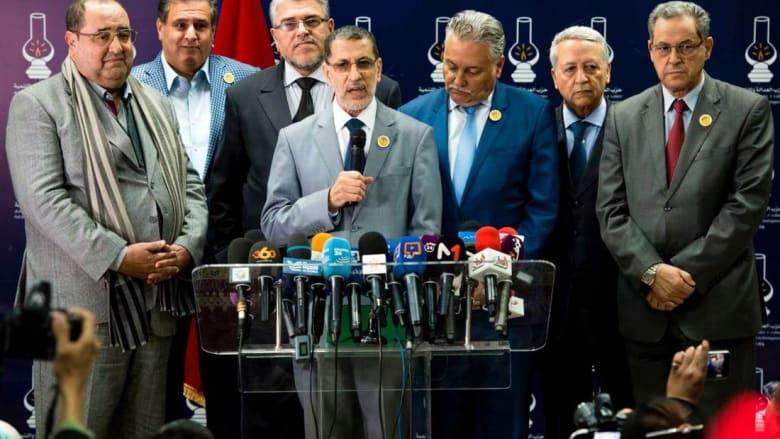 قبول العثماني بائتلاف حكومي من ستة أحزاب يفجّر انتقادات بالمغرب.. ويتيم يدافع